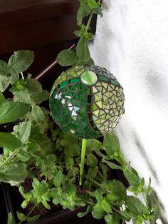 Mosaik Garten-Stecker Kugel grün