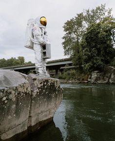 Astronauta suicida (Astronaut Suicides 2011) / Fotografía de Neil DaCosta / Galería: http://monografico.tumblr.com/post/35790960854/neil-dacosta-astronaut-suicides-2011