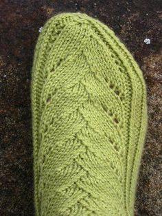 Verso-sukat Lace Knitting, Knitting Socks, Knitted Hats, Knitting Patterns, Knit Crochet, Knit Socks, Lace Socks, My Socks, Ankle Socks