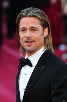"""Use to be part of a male dance group called """"Dancing Bares"""" at the University of Missouri- Brad Pitt Brad Pitt And Jennifer, Brad Pitt And Angelina Jolie, Long Hair Cuts, Long Hair Styles, Brad Pitt Hair, Brad Pitt Photos, Joey Lawrence, Oklahoma Usa, Ideal Man"""