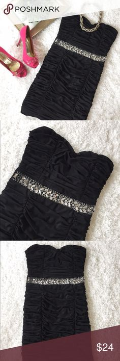"""Pretty embellished Bodycon Dress Pretty embellished Bodycon Dress in classic black. Crystal and Beaded front belt. Size small , 27"""" long. Fairly new. Forever 21 Dresses Mini"""