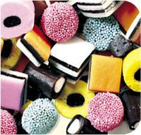 the most beautifully designed sweets ever. so bloody fashionable Vintage Sweets, Retro Sweets, Vintage Food, Union Jack Decor, Yummy Treats, Sweet Treats, Liquorice Allsorts, Candy Art, Food Patterns