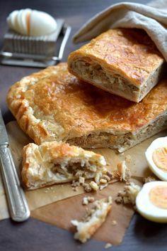 Jauhelihapasteija-piirakka Savoury Baking, Savoury Cake, Pastry Recipes, Dessert Recipes, Desserts, No Salt Recipes, Baking Recipes, Finnish Recipes, Sandwich Cake