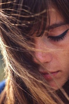 Keep make-up simple in autumn - think Francoise Hardy's thick cat flick eyeliner. #newlook #fashion