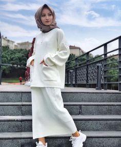 Muslim Fashion, Modest Fashion, Hijab Fashion, Fashion Dresses, Hijab Hipster, Hijab Trends, Hijab Chic, Hijab Outfit, Muslim Women