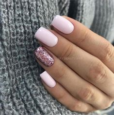 Semi-permanent varnish, false nails, patches: which manicure to choose? - My Nails Shellac Nails, Pink Nails, Acrylic Nails, Gel Nail, Nail Polish, Classy Nails, Cute Nails, Hair And Nails, My Nails