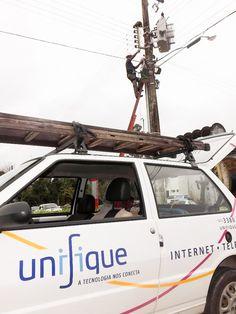 """A cidade de Indaial, no Vale do Itajaí, conhecida por """"Cidade das Flores e da Música"""", está avançando cada vez mais em outro atributo importante: Tecnologia. A Unifique, operadora catarinense de telecomunicações, já disponibiliza serviços de Fibra Óptica empresarial e residencial em diversos pontos da cidade."""
