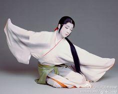 夕鶴よりおつう。坂東玉三郎 Kabuki Actor Tamasaburou Bando ~Repinned Via Janice Stadelmann-Elder