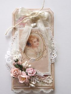 what a beautiful tag from Lenas papperspyssel -smb: another great idea for displaying some of the miniature fabric roses I have! Atc Cards, Card Tags, Gift Tags, Etiquette Vintage, Shabby Chic Cards, Handmade Tags, Paper Tags, Artist Trading Cards, Vintage Tags