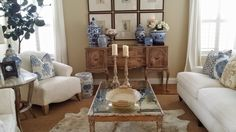 Beautiful vignete on sidebar using blue and white porcelain TG interiors: Living room up date
