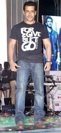 Salman Khan, Jai Ho co-star Daisy Shah and Sohail Khan were special invitees at the event. Here s a look. Salman Khan Photo, Aamir Khan, Bollywood Actors, Bollywood Fashion, Daisy Shah, A Good Man, Superstar, Handsome, Menswear