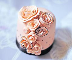 Wedding Mini Cake  London Cakes&ampBakes cakepins.com