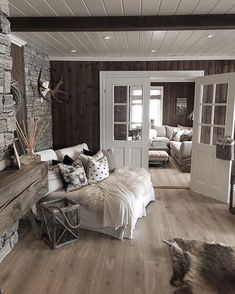 Rustic Home by - Architecture and Home Decor - Bedroom - Bathroom - Kitchen And Living Room Interior Design Decorating Ideas - Cabin Interiors, Rustic Interiors, Farmhouse Master Bedroom, Farmhouse Stairs, Cozy House, Interior Design Living Room, Interior Livingroom, Interiores Design, New Homes