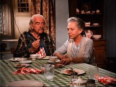 """Grandma and Grandpa Walton - played by Will Geer and Ellen Corby on the TV series, """"The Waltons"""" Family Tv, Family Show, Vintage Tv, Vintage Movies, Ellen Corby, The Waltons Tv Show, Walton House, Famous Pairs, Richard Thomas"""