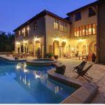 Pool, backyard