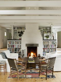 """The secret to achieving a layered, homey look without sacrificing your well-honed, individual sense of style? """"No clutter, just a mix of beautiful, original, and interesting things,"""" says Osofsky."""