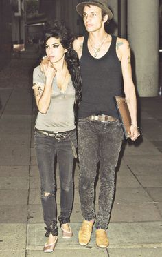 Blake Fielder-Civil and Amy Winehouse Amazing Amy, Amy Winehouse, Jim Morrison, Back To Black, Love Her, Photos, Singer, Couples, Fotografia