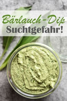 - World& best wild garlic dip, attention, risk of addiction, you just want to spoon the glass e - Garlic Dip, Garlic Pasta, Wild Garlic, Tofu, Dips Thermomix, Vegan Thermomix, Fish Recipes, Vegan Recipes, Pesto Dip
