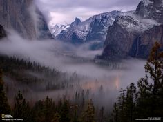 Yosemite Valley, is definitely one of the most beautiful places on earth. Yosemite Wallpaper, Foggy Mountains, Mountain Wallpaper, Yosemite Valley, Beautiful Places In The World, Landscape Pictures, Cool Landscapes, Mountain Landscape, A 17