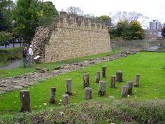 Hadrian's Wall, Wallsend - CC Flickr User Alun Salt