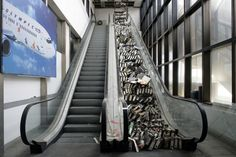 Les halls vides de l'aéroport de Hellinikon, qui accueillait autrefois 12 millions de voyageurs par an à Athènes, en Grèce. | 18 lieux abandonnés et complètement envoûtants à travers le monde