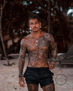 Johnny Edlind - Tattoos - - My list of the most creative tattoo models Johnny Edlind, Men's Swimwear, Tattoo Bauch, Boys Lindos, Trash Polka Tattoo, Filipino Tattoos, Marquesan Tattoos, Mens Swim Shorts, Short Shorts