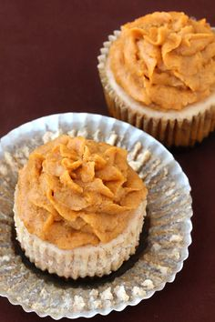 Cinnamon cheesecakes with pumpkin pie frosting. Found my dessert for our Thanksgiving feast!