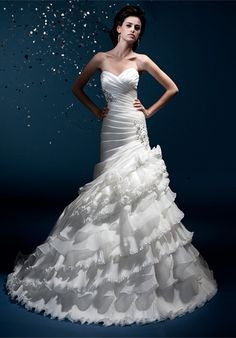 Brillant Trumpet/Mermaid Sweetheart Chapel Train Tiered Custom Made Wedding Dress(Free Shipping)