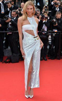 Karlie Kloss, égérie L'Oréal Paris, en robe Atelier Versace automne-hiver 2014-2015 et bijoux de Grisogono