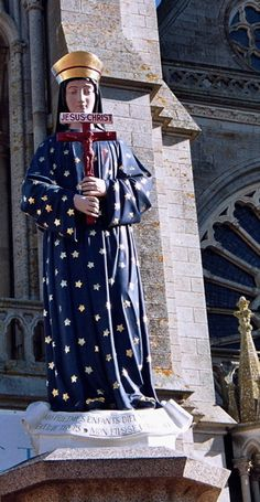 Our Lady of Postman (France) appeared holding a blood red crucifix. Catholic Religious Education, Catholic Art, Catholic Saints, Roman Catholic, Blessed Mother Mary, Blessed Virgin Mary, Cross Pictures, Mama Mary, Sainte Marie