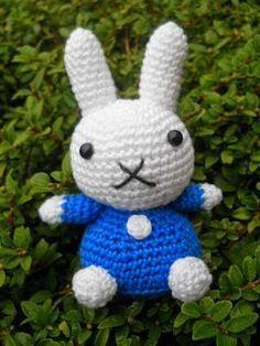 knutsel-mam, #haken, gratis patroon, Nederlands, amigurumi, konijn, lijkt op Nijntje, knuffel, speelgoed, kraamcadeau, #haakpatroon