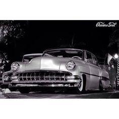 Tattoo's cars and bike's. Old School Cars, Sin City, Old Skool, Chicano, Old Cars, Bobber, Jdm, Bike, Vehicles