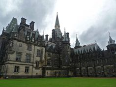 Fettes College, Edinburgh, Scotland || Hogwarts || home sweet Edinburgh ||10 mins walk from my old flat Visit Edinburgh, Edinburgh Scotland, British College, Manor Houses, Most Beautiful Cities, Past Life, I School, Barcelona Cathedral, Hogwarts