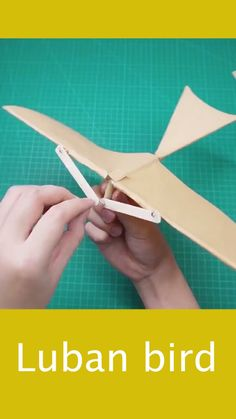 Paper Crafts Origami, Easy Paper Crafts, Origami Art, Diy Arts And Crafts, Fun Crafts, 5 Minute Crafts Videos, Craft Videos, Paper Folding Techniques, Diy Crafts Life Hacks