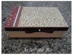 Caixa (mdf) decorada com guardanapo para decoupage e pérolas!
