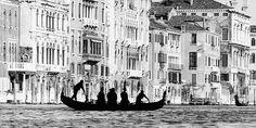 Il traghetto di San Tomà by Gianni Berengo Gardin, Venezia (Venice)