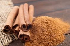 Cinnamon is one of the most beneficial spices on earth. Cinnamon benefits include being an antioxidant, anti-inflammatory and anti-diabetic, plus boosting immunity. Cinnamon Uses, Cinnamon Recipes, In China, Home Remedies, Natural Remedies, Golden Milk Tea, Food Doctor, Cinnamon Health Benefits, Low Blood Sugar