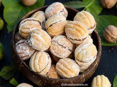 Romanian Food, Biscotti, Nutella, Cake Recipes, Deserts, Muffin, Sweets, Breakfast, David
