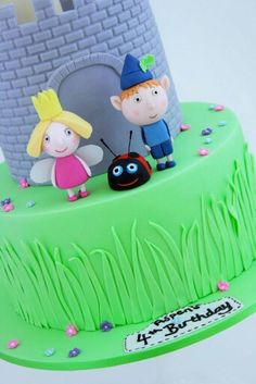 Ben and holly Ben And Holly Cake, Ben E Holly, Girl 2nd Birthday, 3rd Birthday Parties, Fondant Cake Toppers, Cupcake Cakes, Violet Cakes, Girly Cakes, Disney Cakes