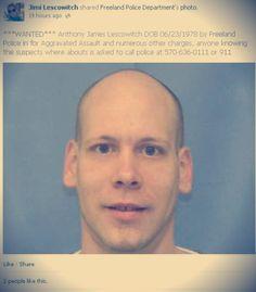 Non resiste alla tentazione di condividere la sua foto segnaletica: arrestato!  http://tuttacronaca.wordpress.com/2014/01/22/non-resiste-alla-tentazione-di-condividere-la-sua-foto-segnaletica-arrestato/
