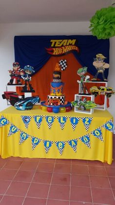 cake table hot wheels                                                                                                                                                                                 Más