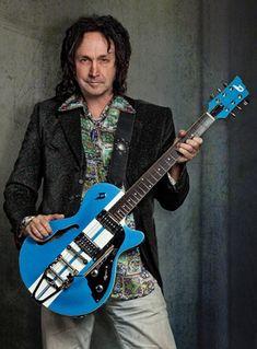Mike Campbell, Travelling Wilburys, Tom Petty, Guitar Art, Fleetwood Mac, Stevie Nicks, My Favorite Music, Playing Guitar, Music Stuff