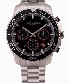 "Lars Larsen - Sea Navigator Sport Carbon Black  Sea Navigator Sport er et eksklusivt dykker ur uden kompromisser. Håndværk når det er bedst med ""curved"" ridsefrit safirglas, med flere lags anti-reflekterende coating, Screw down crown, One direction Bezel med 90 punkts gear, og Luminous indikatorer.  Pris: 2799,00,- kr.  Mangler det ikke lige til din samling?   #LarsLarsen #Dykkerur #Danmark"
