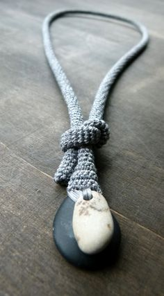 Crochet and Stones. http://1.bp.blogspot.com/-E51hvtHRYlU/TzpqUovB4UI/AAAAAAAAYhE/X7UA7JabGk8/s1600/P1010637.JPG http://1.bp.blogspot.com/-bDaNqgzcR4I/TzpqFnE2GtI/AAAAAAAAYg8/5OxoP605fDs/s1600/P1010635.JPG