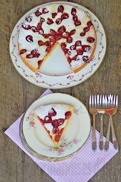 Les gourmandises d'Isa: LE GÂTEAU AUX FRAMBOISES LE PLUS SIMPLE DU MONDE