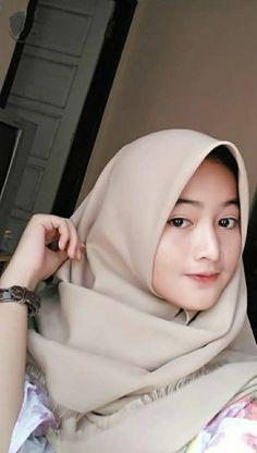 Beautiful Muslim Women, Beautiful Hijab, Ootd Hijab, Hijab Chic, Abaya Fashion, Muslim Fashion, Muslim Beauty, Muslim Girls, Cute Girls