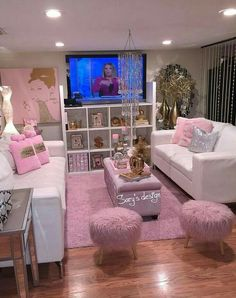 DIY Makeup Room Ideas Organizer Storage and Decorating makeuproomdecoratingideas DIY Makeup Room Ideas Organizer Storage and Decorating makeuproomdecoratingideas Decor Home Living Room, Glam Living Room, Glam Room, Living Room Designs, Bedroom Decor, Home Decor, Decor Crafts, Woman Bedroom, Girls Bedroom
