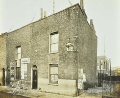 House Elevation, Front Elevation, South London, Old London, London History, Industrial Architecture, London Places, London Photos, Old Photos