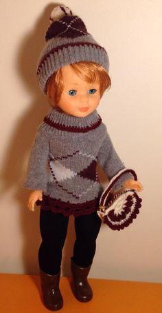 NANCY . Jersey y gorro de calcetines. Nancy Doll, Knit Crochet, Crochet Hats, Amigurumi Doll, Mini, Arts And Crafts, Dolls, Knitting, Cute