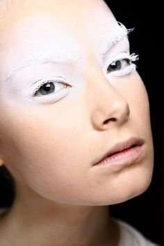 Google Image Result for http://filakuku.files.wordpress.com/2012/02/white-makeup.jpg